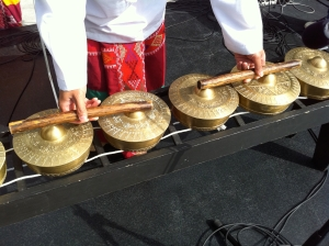 Parangal tries the Kulintronica gongs